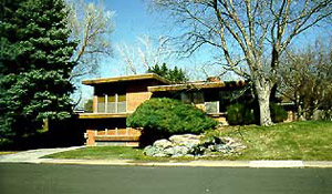 Photograph of Usonian style home found at Arapahoe Acres