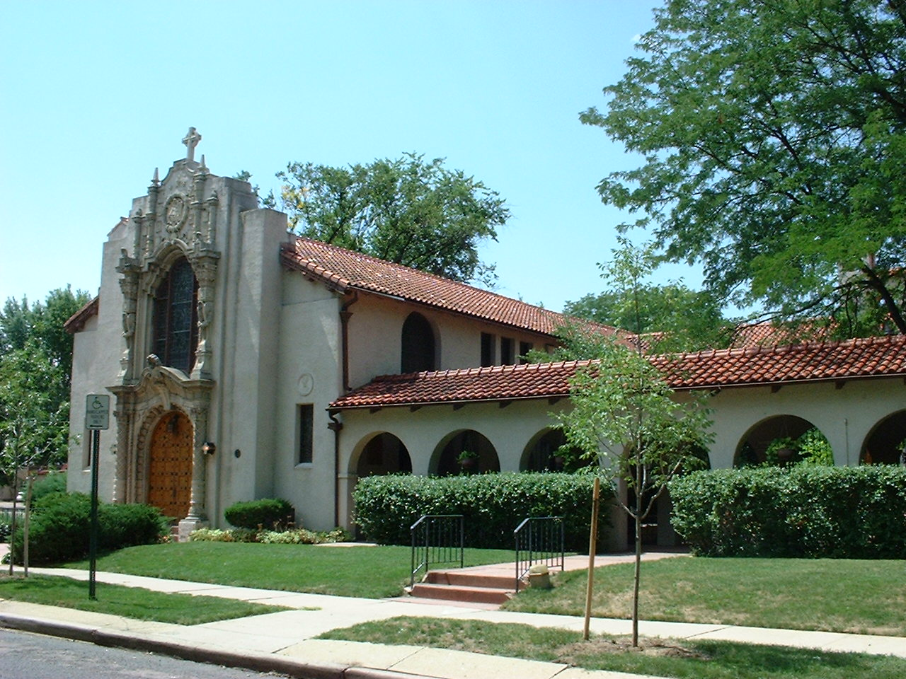 Color photograph of Saint Thomas Episcopal Church in Denver.