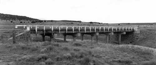 Black and white photo of a Timber Stringer bridge.