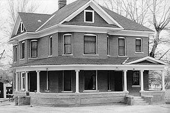 Black-and-white photo of an Edwardian style house in Grand Junction.