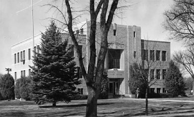 Black and white photo of the Sedgewick County Courthouse (5SW.81).