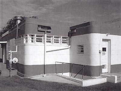 Black and white photo showing WPA Moderne style.