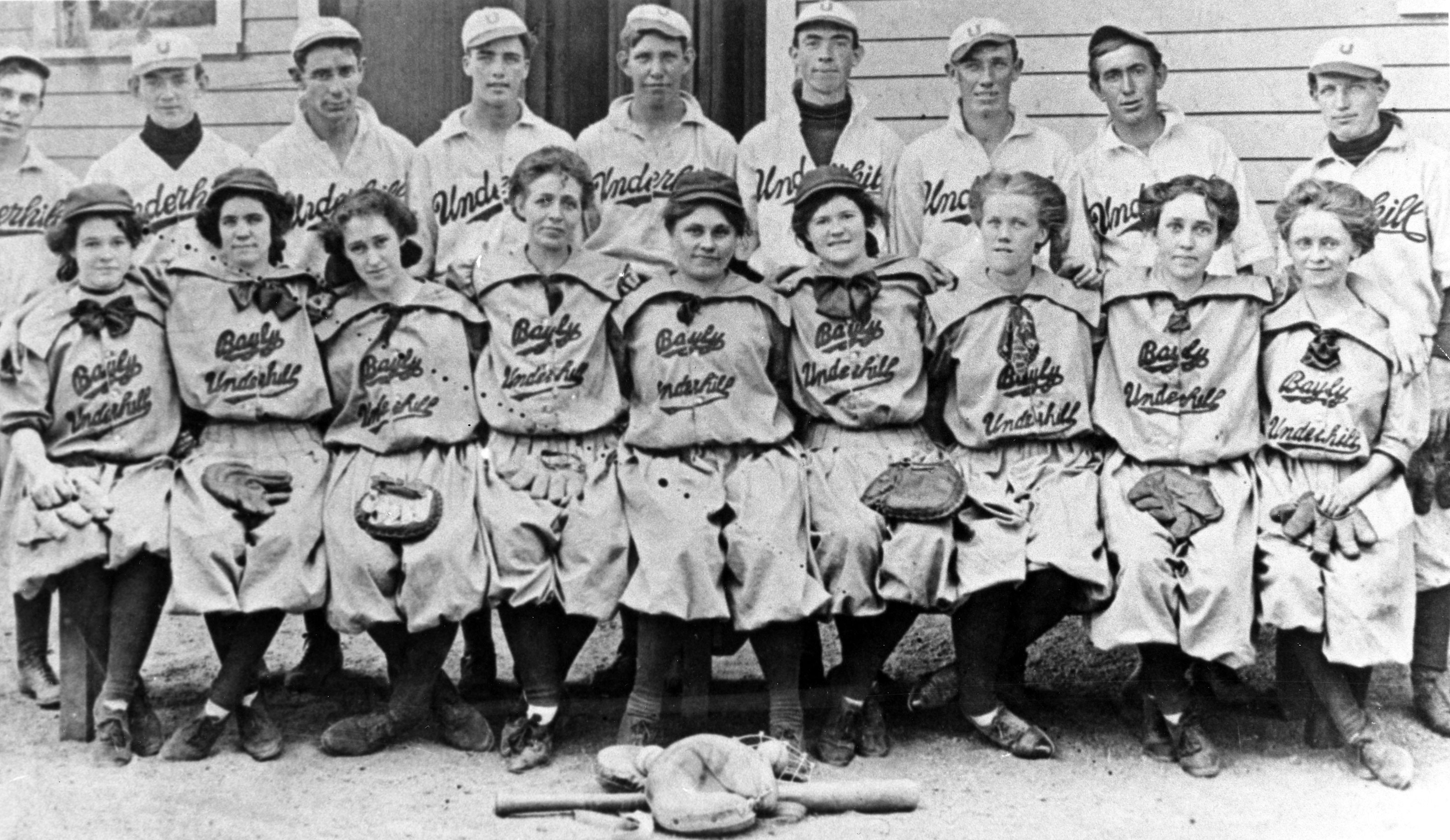 Underhill male and Bayly-Underhill female baseball teams, Denver, about 1910