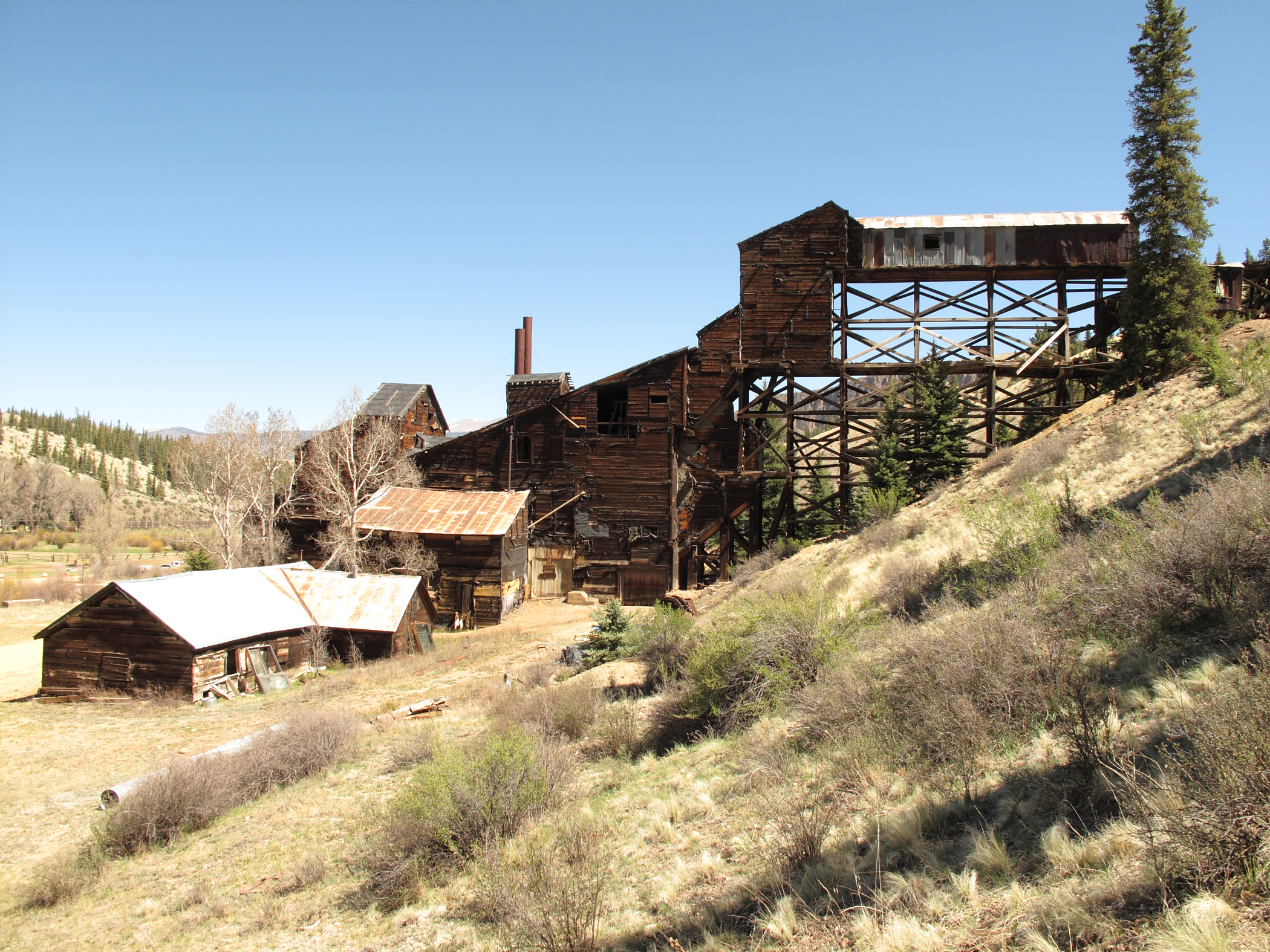 A photo of the Wagon Wheel Gap Fluorspar Mine and Mill.