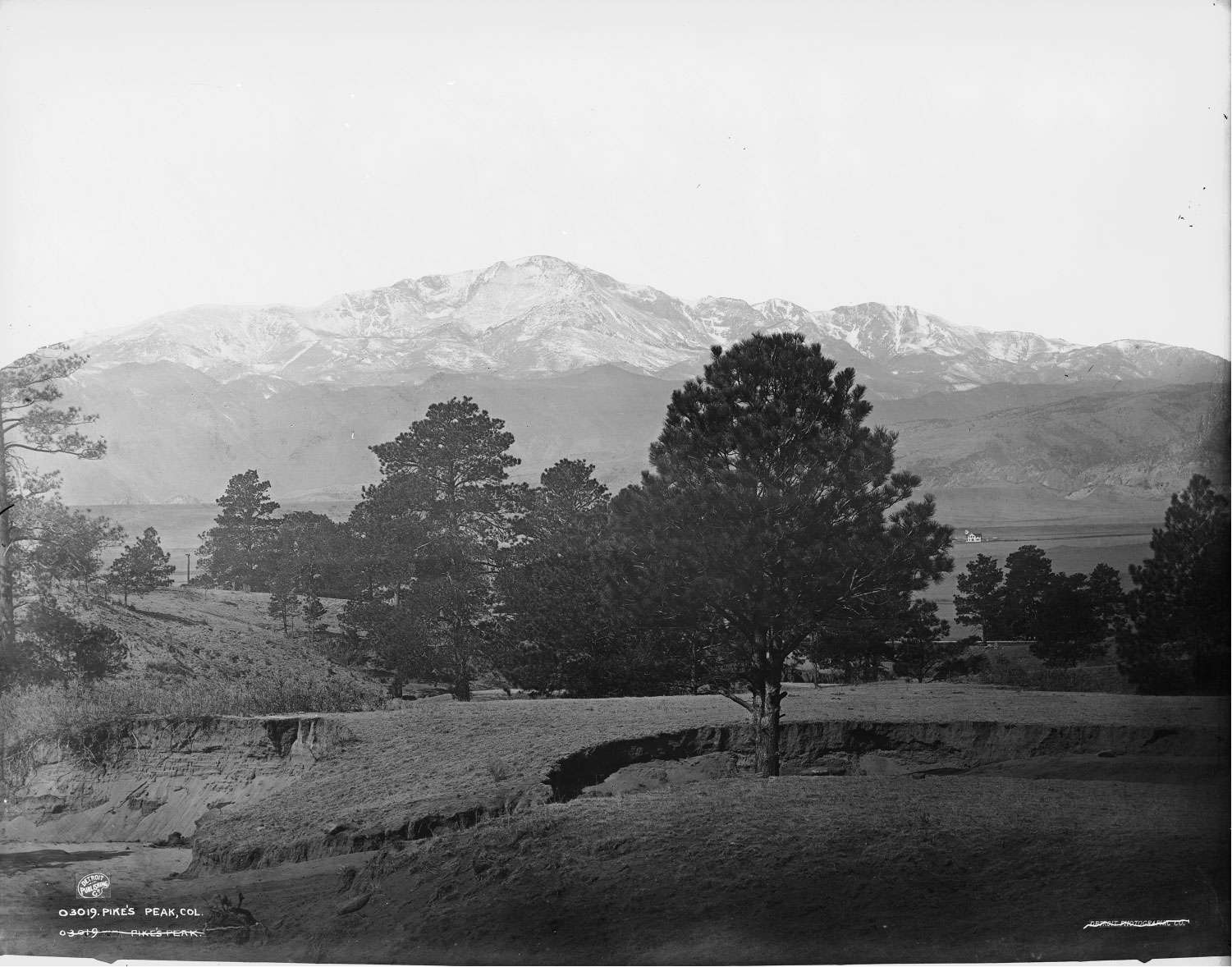 Photo of Pikes Peak, also known as Tava-Kaavi, or Sun Mountain, to the Ute people