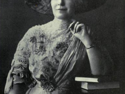 Mary Elitch in 1911. Photo courtesy Alexander Art Publishing Co. via Wikimedia Commons.