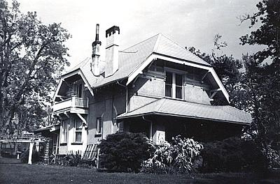 An example of the Craftsman architectural style.
